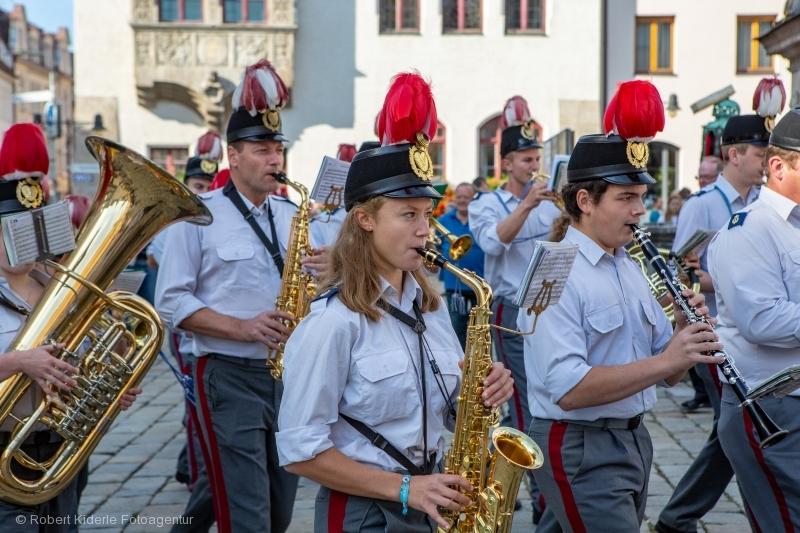 Volksfest Freising 09.09.2018 - Standkonzert Marienplatz - Umzug Kapellen - Radrennen - Imagefotos